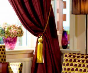 Porterhouse curtain tieback
