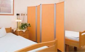 Porterhouse contracts Ropimex Folding Wall Screen